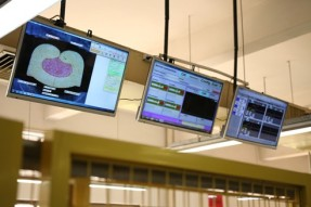 鉚合壓力監測系統